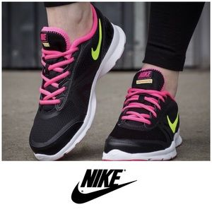 New Nike Core Motion TR2 Mesh Training Shoes